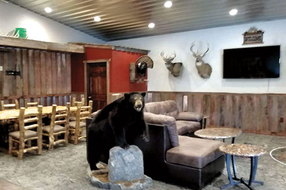 Midwest Whitetail adventures has a new 5100 sqft hunting lodge!